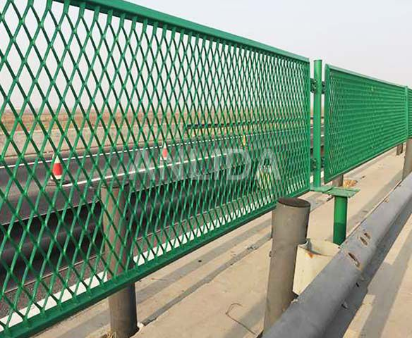 Expanded Metal Wire Mesh Fence